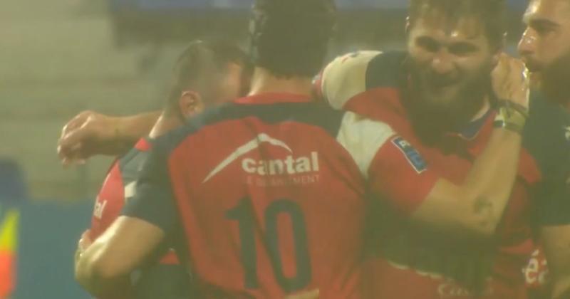 VIDEO. Joue-la comme Messi : Thomas Vincent inscrit un essai spectaculaire en enchaînant les coups de pied !