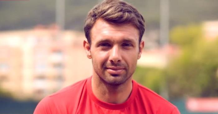 VIDEO. Les meilleurs joueurs, la gastronomie, les filles : Vincent Clerc compare Toulouse et Toulon !