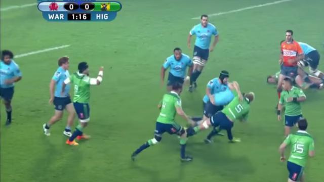 VIDEO. Super Rugby : l'ailier Rob Horne colle deux gros timbres aux 2e-lignes des Highlanders