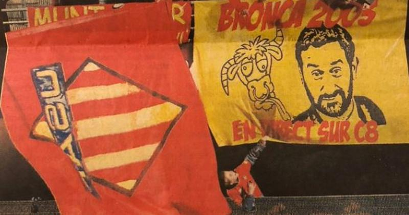 WTF : Cyril Hanouna remercie un groupe de supporters de l'USAP pour une banderole à son effigie