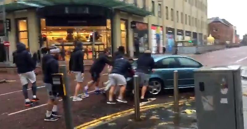 WTF - Échauffement improvisé à l'ancienne pour Clermont dans les rues de Belfast [VIDÉO]