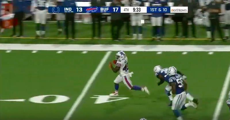 Christian Wade réussit ses débuts en football américain avec un touchdown de 65 yard !