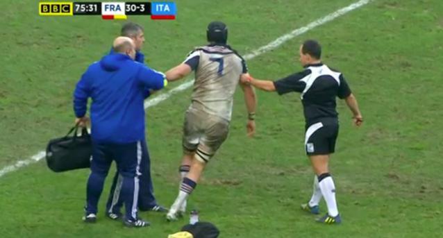VIDÉO. XV de France : L'impressionnant KO de Bernard le Roux contre l'Italie