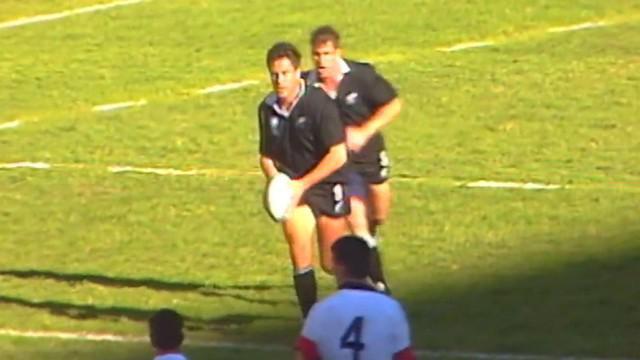 VIDEO. FLASHBACK. 1995. Zinzan Brooke claque un drop de 40m face à l'Angleterre à la Coupe du monde