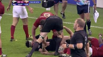 VIDÉO. All Blacks - France : Louis Picamoles perd ses nerfs et s'en prend à Richie McCaw