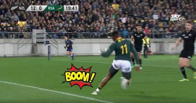 VIDÉO. Rugby Championship - Aphiwe Dyantyi s'amuse avec Beauden Barrett pour un doublé