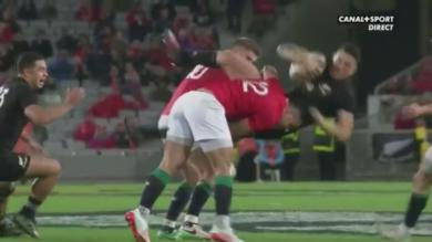 VIDEO. All Blacks v Lions : Ben Te'o retourne Sonny Bill Williams comme un sac de pommes de terre