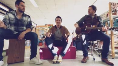 VIDEO. Joueur de Colomiers mais aussi chanteur, Cédric Coll rend hommage aux artistes décédés en 2016