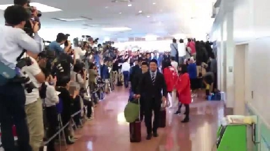 VIDEO. Coupe du monde. Les joueurs du Japon accueillis en héros à l'aéroport
