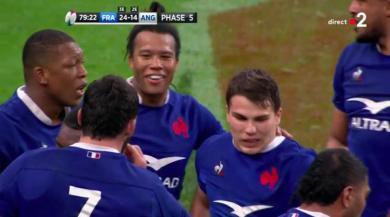 Quand Antoine Dupont dégage pour la fin du match... mais à la 79e ! [VIDÉO]