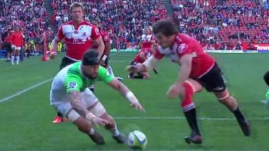 VIDÉO. Elliot Dixon signe le plus beau raté de l'année en demi-finale du Super Rugby