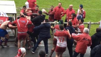 ESPOIRS. Biarritz - Béziers. Grosse bagarre générale mêlant les supporters et les joueurs à Aguiléra