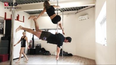 VIDEO. Insolite : Le 3e-ligne du FC Grenoble Jonathan Best défie des profs de Pole Dance