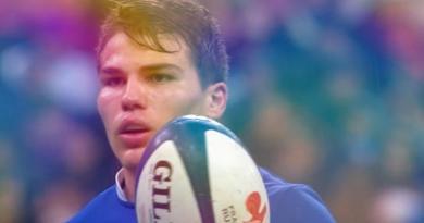 France - Angleterre : les meilleurs moments de la performance monumentale d'Antoine Dupont en vidéo !