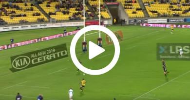 Super Rugby – L'offrande de Beauden Barrett pour Ngani Laumape [VIDÉO]