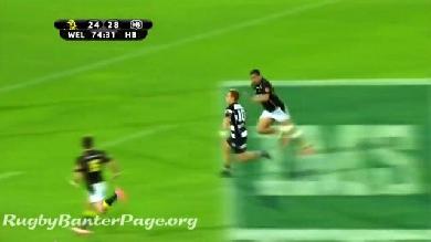 VIDEO. ITM Cup : Ihaia West enrhume le All Black Cory Jane face à Wellington