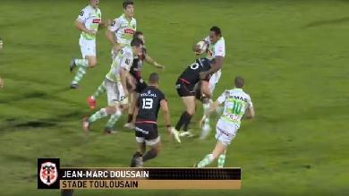 VIDEO. Top 14. Jean-Marc Doussain repousse les 100 kilos de Mosese Ratuvou avec un gros plaquage