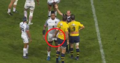 VIDEO. En plein match, Flip Van der Merwe relance la mode du chat-bite sur Joe Tekori