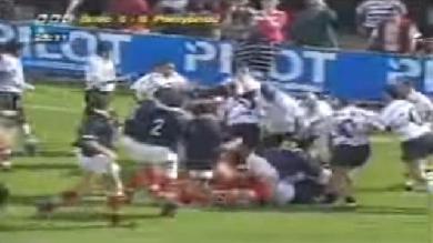 VIDEO. FLASHBACK 1997 : la bagarre d'anthologie entre Brive et Pontypridd avant la revanche... dans un bar