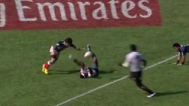 VIDEO. Dubai Sevens - Les Fidjiens écœurent leurs adversaires en jouant à la patate chaude