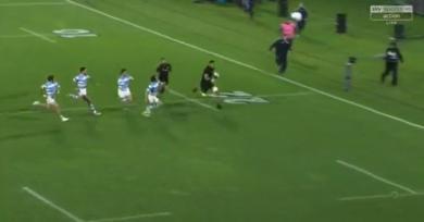 RÉSUMÉ VIDÉO. Rugby Championship - Cad-deb, accélération, le 3e ligne Vaea Fifita a puni la défense des Pumas sur 40m