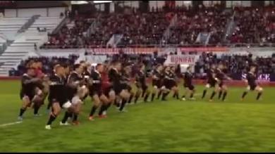 VIDEO. Matchs amicaux - Le superbe Haka des Classic All Blacks face au RCT malgré la défaite (21-68)