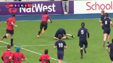 VIDEO. Découvrez Tyrese Johnson-Fisher, le nouveau phénomène du rugby aux cannes de folie