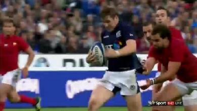 VIDEO. XV de France - Écosse. Le sauvetage décisif de Yoann Huget sur Mark Bennett