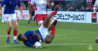 RÉSUMÉ VIDÉO - Emmené par un grand Raka, le XV de France bat les Tonga, et file en 1/4 !