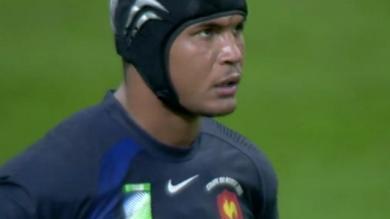 VIDEO. Thierry Dusautoir : avec 38 plaquages face aux Blacks, The Dark Destroyer est né en octobre 2007 à Cardiff