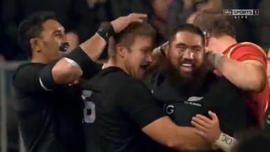 RÉSUMÉ VIDÉO. Les All Blacks évitent le piège tendu par le Pays de Galles (39-21)