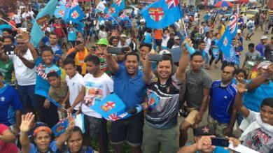 VIDEO. Fidji : l'accueil de folie réservé aux champions olympiques de rugby à 7