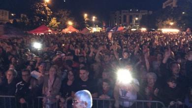 VIDEO. Pro D2 - Les supporters aurillacois fêtent leurs joueurs malgré la défaite face à Bayonne