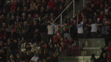 VIDEO. Top 14. La réaction géniale des supporters de l'Aviron Bayonnais après la déculottée à Toulon