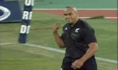 Vidéo Rétro : Un match de rugby au paradis entre les Blacks et les Wallabies en 2000