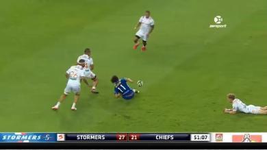 """Video. Super Rugby : L'incroyable """"offload de l'année"""" de Dillyn Leyds dans le Super Rugby"""