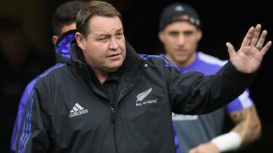 POINT TRANSFERTS. Steve Hansen prolonge avec les All Blacks, Toulouse à la recherche d'un 9