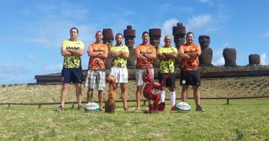 VIDEO. Plongez au cœur d'un tournoi de rugby exceptionnel sur l'île de Pâques, au milieu des Moaï