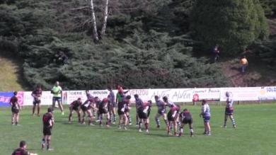 VIDEO. Rugby Amateur : un courageux petit ramasseur de balle s'aventure dans la verdure pour renvoyer la gonfle !