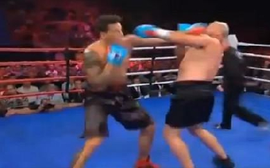 Sonny Bill Williams remporte son match de boxe contre François Botha