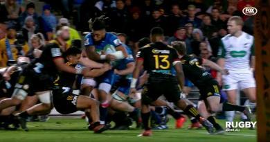 Super Rugby - Lancé comme un frelon, Ma'a Nonu fait exploser la défense des Chiefs [VIDEO]