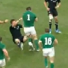 VIDEO. Irlande - All Blacks : Cian Healy met Richie McCaw sur le cul