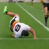 VIDEO. Sevens - Leigh Bristowe se tape la honte en foirant son plongeon