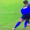 VIDEO. Coupe du monde. France - Irlande. Louis Picamoles d�coupe Jonathan Sexton