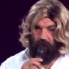 VIDEO. D�guis� en femme, S�bastien Chabal chante du Chantal Goya en direct � la t�l�vision