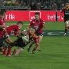 VIDEO. Super Rugby. Sonny Bill Williams rappelle � son s�lectionneur qu'il est toujours le roi des offloads
