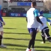 VIDEO. Tournoi des 6 nations. Teddy Thomas mystifie la d�fense lors du stage du XV de France