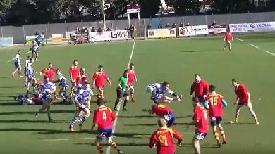 VIDEO. Rugby Amateur #83. Un talonneur fait du saut de haies avec un adversaire en plein match