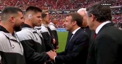 WTF - Ce moment où Maks Van Dyk a demandé la nationalité française au président Macron [VIDÉO]