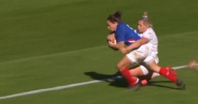 Le XV de France Féminin craque face à l'Angleterre, que retenir du match ?